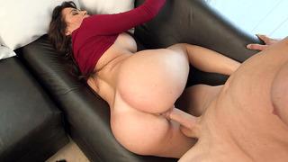 Bubble-assed Latina Julianna Vega takes a good pounding