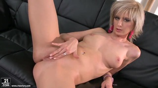 White Angel is fingering her juicy pussy Thumbnail