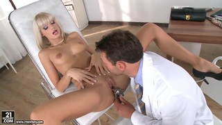 Erica Fontes is so exciting and mesmerizing that her doctor can not resist Thumbnail