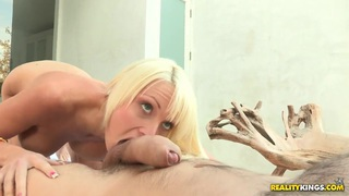 Manuel Ferrara and Rikki Six having hot sex in the swimming pool Thumbnail