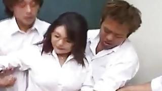 Kinu Misawa busty gets frigging while sucking other penis